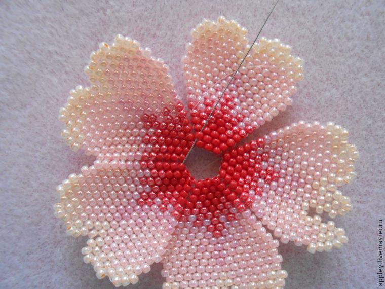 Нежные цветы из бисера мастер класс с пошаговым фото